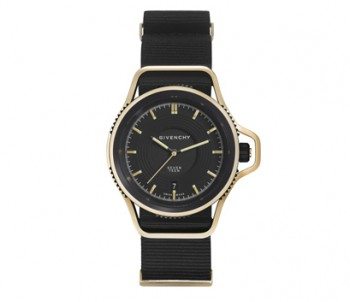 givenchy-seventeen-watch-opener